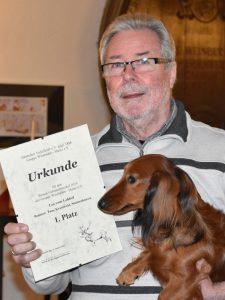 Preisträger bester Gebrauchsteckel, Lea mit Herrchen Dieter Krautwald